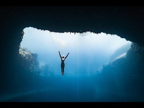 Anna freediving Dean's Blue Hole