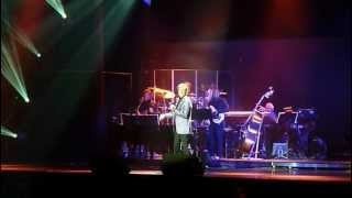 MANILOW AT THE 02. LONDON 2012. STAY/ SWEET HEAVEN