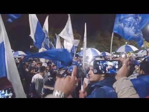 """""""97 años de gloria y pasión🔵⚪🔵"""" Barra: La Banda del Expreso • Club: Godoy Cruz • País: Argentina"""