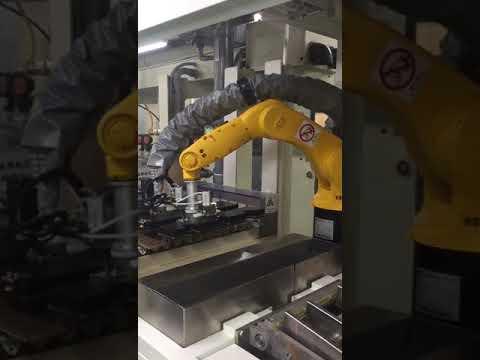 防焊前處理全自動上板設備-分隔板自動化