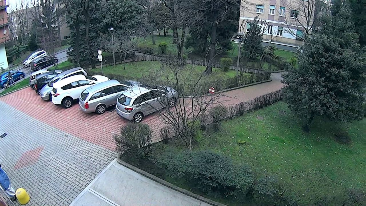 1 Room for women in bright apartment with balcony in Gallaratese area