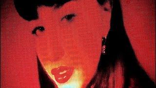 Kadr z teledysku Maraschino Love tekst piosenki Ezi