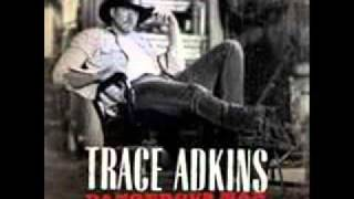 Trace Adkins whoop a man's ass