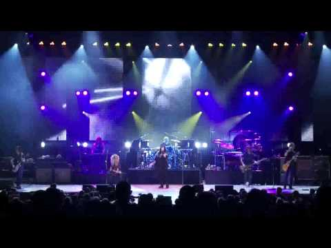 Kashmir performed by Heart featuring Jason Bonham and Tony Catania