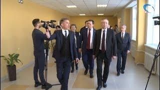 Александр Беглов проверил, как осваиваются федеральные средства в социальных учреждениях Новгорода