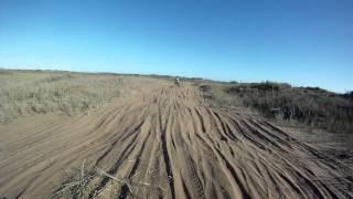 preview picture of video 'javier vs federico entrenando en el circuito de monte hermoso'