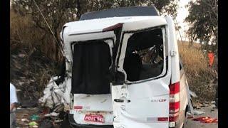Van que transportava 11 das 12 pessoas mortas em tragédia na BR 365 tinha documentação irregular