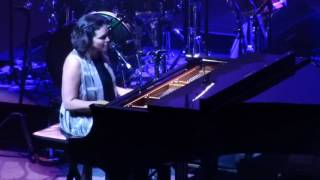 Norah Jones   Tragedy, Academy Of Music, Philadelphia, 12022016