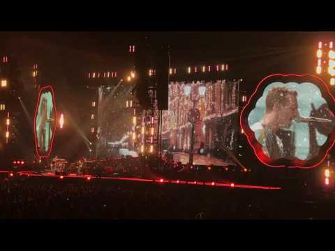 Coldplay - Christmas Lights, Live Sydney 2016