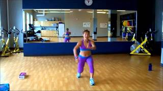 preview picture of video 'Zumba® With Yoyi la Cubana - LLora Llora (Salsaton)'