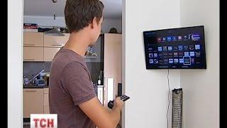 Київська родина придбала телевізор, який самостійно транслює відео бойовиків