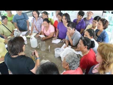 Salitsilovo- sink pamahid ng halamang-singaw sa kanyang mga paa