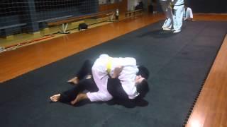 preview picture of video 'Jiu-jitsu con el sensei Roberto Varela y Camila en Florida Uruguay 3 de 4 HD'