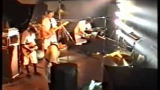 "Devo  live 1990 ""Post Modern Man"""