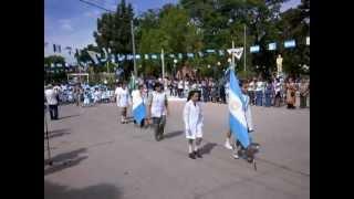 preview picture of video 'Desfile cívico por el 2 de Abril'