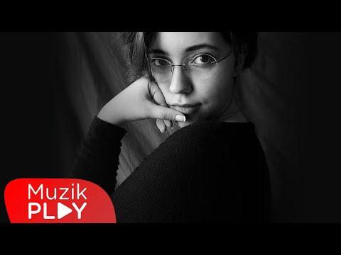 Deniz Kırcı - Lady (Official Lyric Video) Sözleri