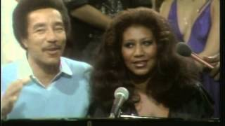 Aretha Franklin & Smokey Robinson - Ooh Baby Baby (live) + interview