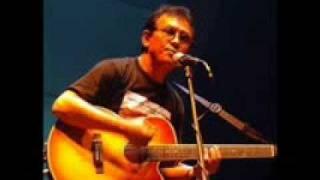 Download lagu Asmara Dalam Sunyi Franky Sahilatua Mp3