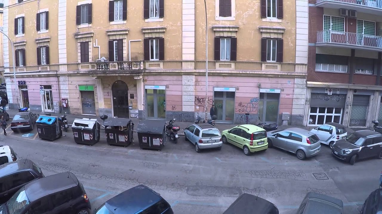 Spacious room for rent in a 3 bedroom apartment in Appio Latino, Rome