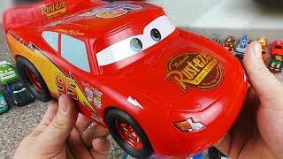 Cars 3 Lightning McQueen vs Hot Wheels Racing Sports Cars - Гоночные машины Тачки