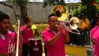 preview picture of video 'Banda Vientos De Jalisco VS Banda Reyna De San Lázaro'
