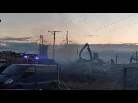 Wideo1: Pożar na złomowisku przy ul. Mórkowskiej w Wilkowicach