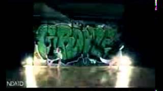 Смотреть онлайн Дети танцуют брейк данс