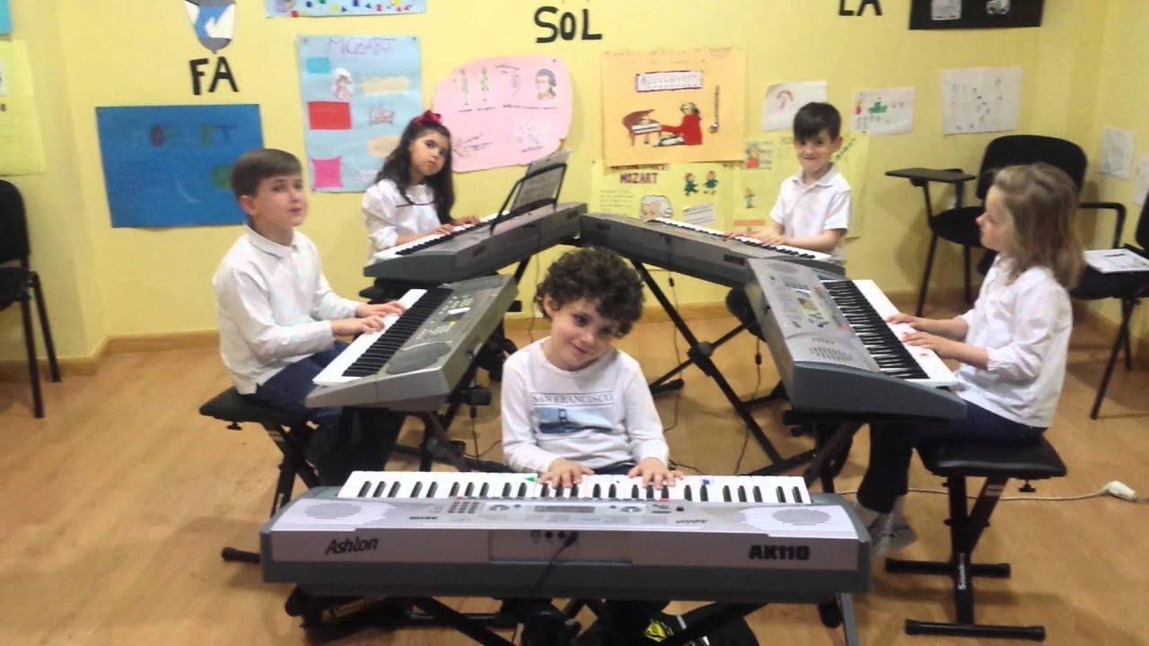 El grillín - Grupo  de alumnos de Mi Teclado 2 - Sinfonía Musical