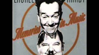 Laurel & Hardy - Trail Of The Lonesome Pine 1937 Way Out West