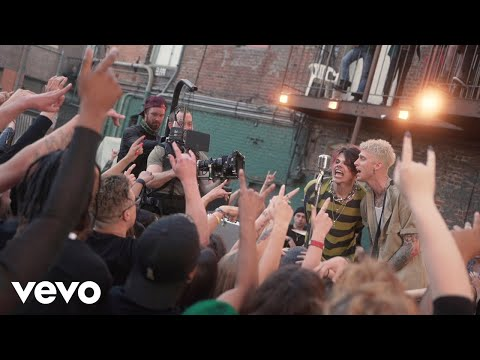 Machine Gun Kelly - I Think I'm OKAY (Behind The Scenes) ft. YUNGBLUD, Travis Barker
