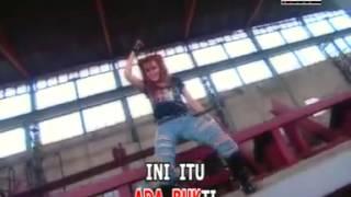 Nita Talia, Maling Teriak Maling