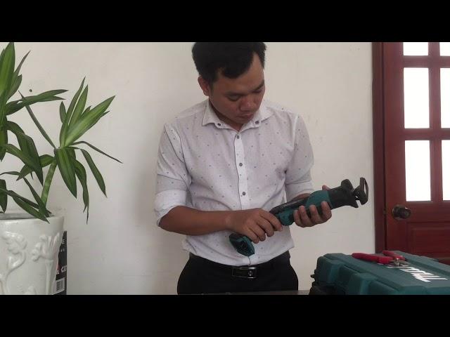 may-cua-kiem-dung-pin-makita-jr105dsae-12v