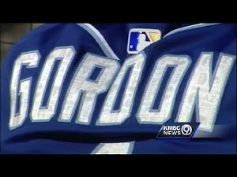 Royals players glad to see Alex Gordon back