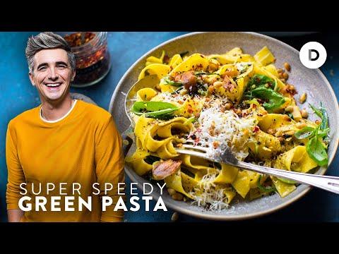 PASTA DINNER IN 15 MINS? Speedy Super Green Pasta!