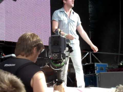 Kaiser Chiefs -- Long Way From Celebrating (Live at Afisha Picnic 2011, Moscow)