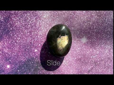 Labradorite Palm Stone 42.1g 44.4mm x 31.7mm