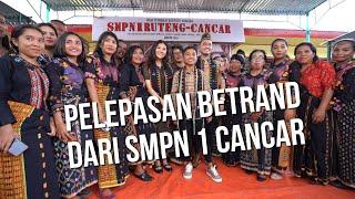 The Onsu Family - Pelepasan Betrand dari SMPN 1 CANCAR