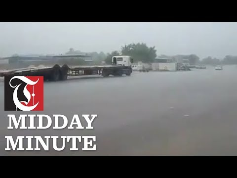 Midday Minute: Heavy rains begin in Oman