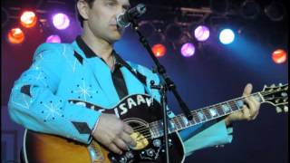 "Chris Isaak - ""Waiting"""