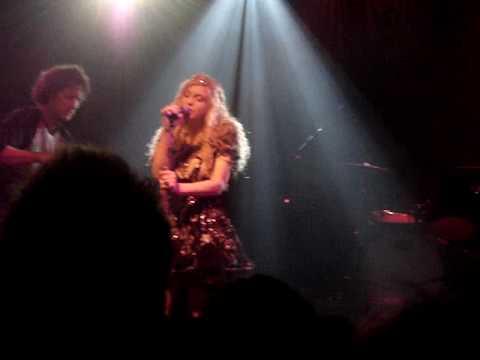 Hole (Courtney Love) - Suffer Little Children (The Smiths) Live in Milan 2010