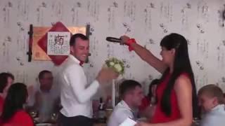 """Застольный конкурс на свадьбе """"Чтение мыслей"""" или волшебный микрофон. Видео."""