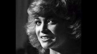 One Of A Kind Pair Of Fools : Barbara Mandrell