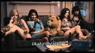 Méďa (Ted) - český trailer