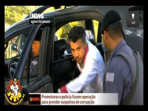 Policiais fazem operação para prender suspeitos de corrupção em Itapecerica da Serra