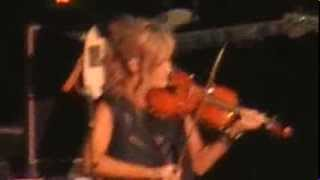 Dixie Chicks - Sin Wagon (live @ Country2Country Festival, O2 Arena London 15-03-'14)