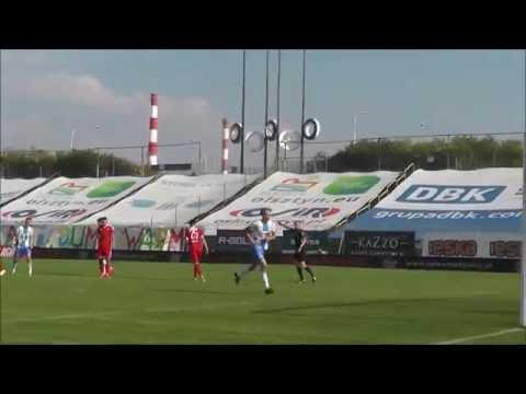 Grzegorz Lech strzela bramkę na 1:0 w meczu z Wisłą Płock
