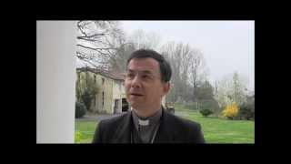 preview picture of video 'Rencontre avec Mgr Hervé Gaschignard - Dimanche de Pâques 2013'