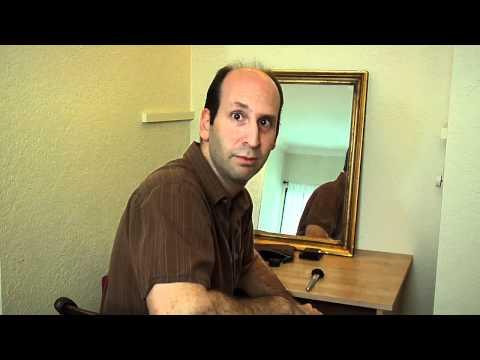 5minutová komediální hodinka Jeffa Lewise