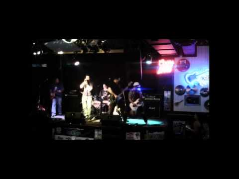 Accelerator Rock Covers- Welcome to the Jungle WW 05-18-12.wmv
