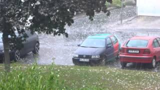 preview picture of video 'Unwetter Sehnde am 27 07 2013  mit Tennisball großen Hagelkörnern'
